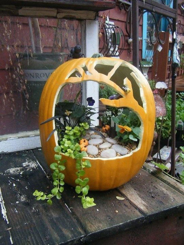 The Best Halloween Garden Decor Ideas 02
