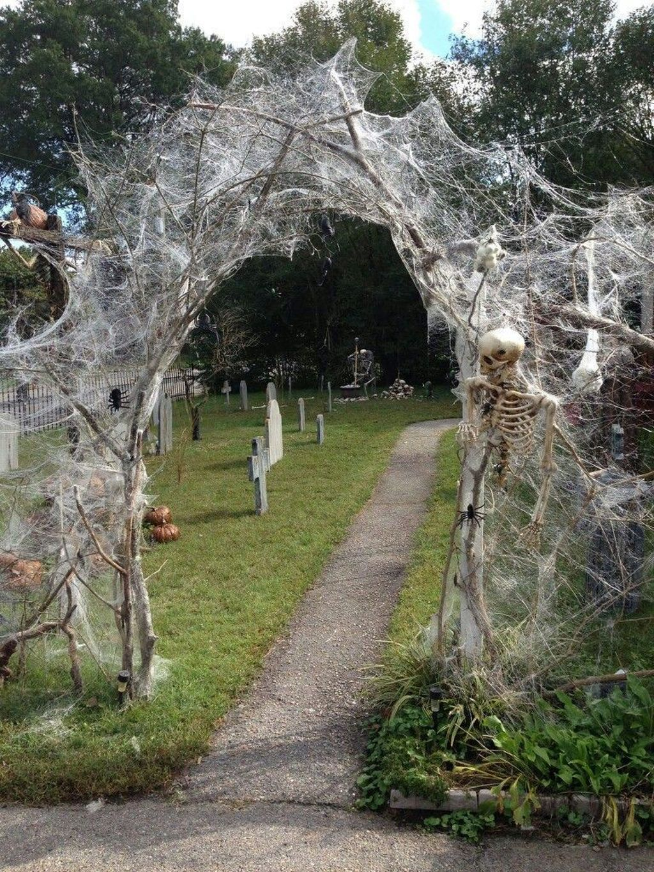 The Best Halloween Garden Decor Ideas 17