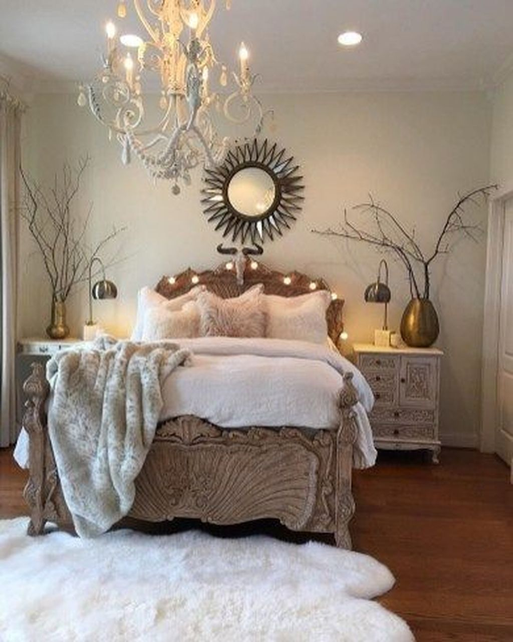 The Best Small Master Bedroom Design Ideas WIth Farmhouse Style 21