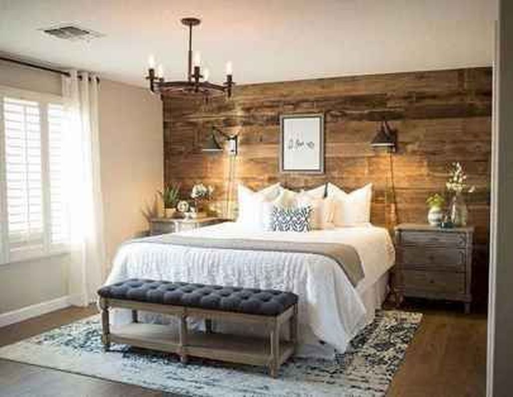 The Best Small Master Bedroom Design Ideas WIth Farmhouse Style 23