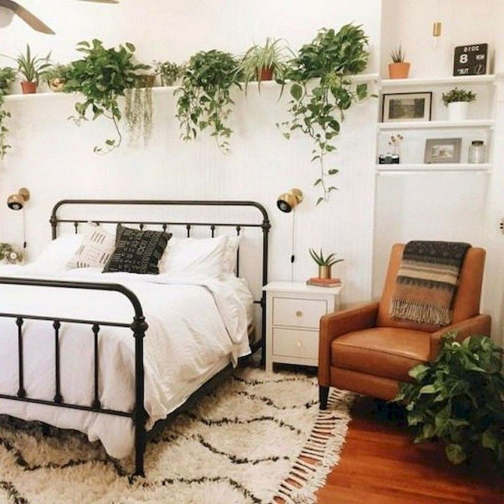 The Best Small Master Bedroom Design Ideas WIth Farmhouse Style 31