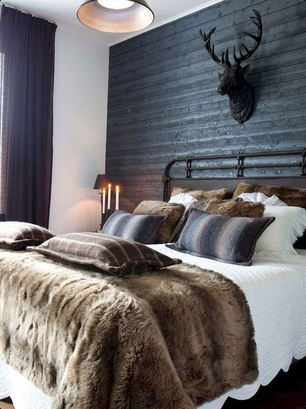 The Best Small Master Bedroom Design Ideas WIth Farmhouse Style 33