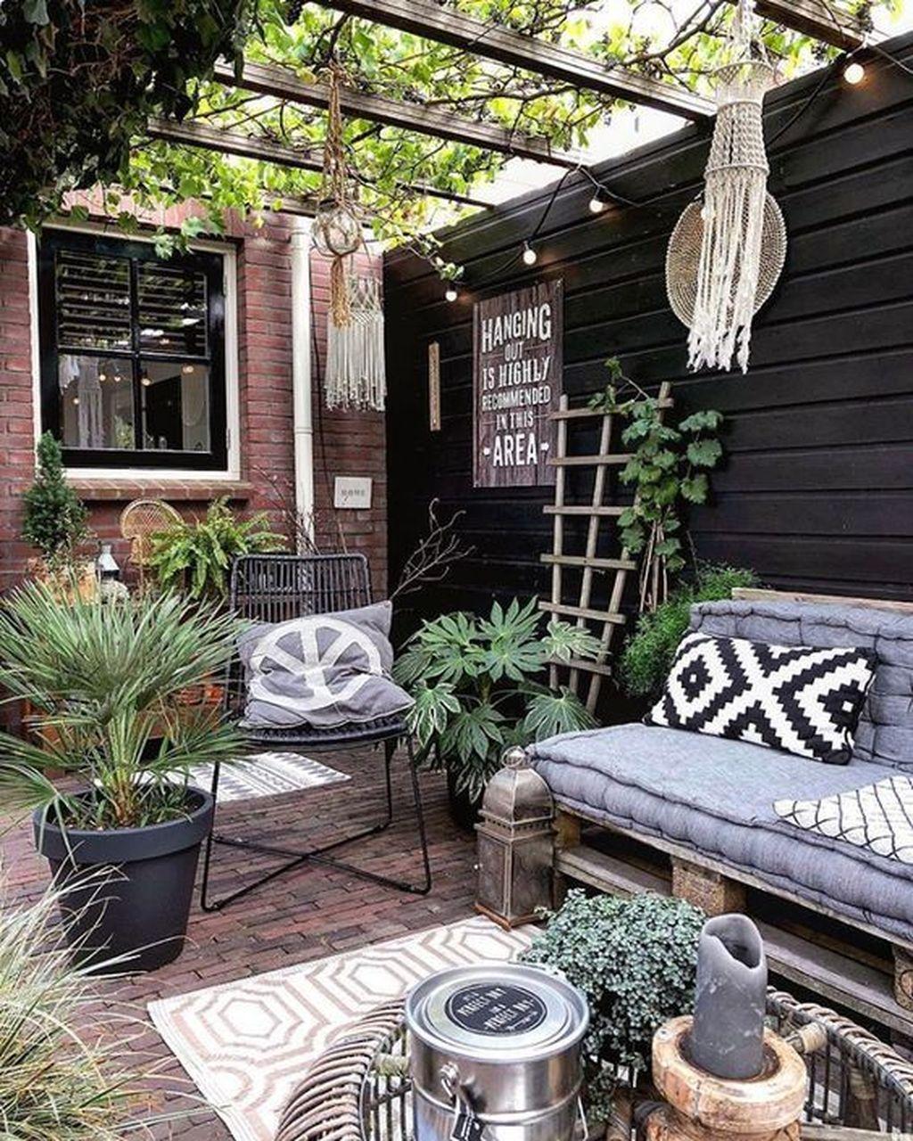 Wonderful Backyard Patio Design Ideas For Outdoor Decor 04