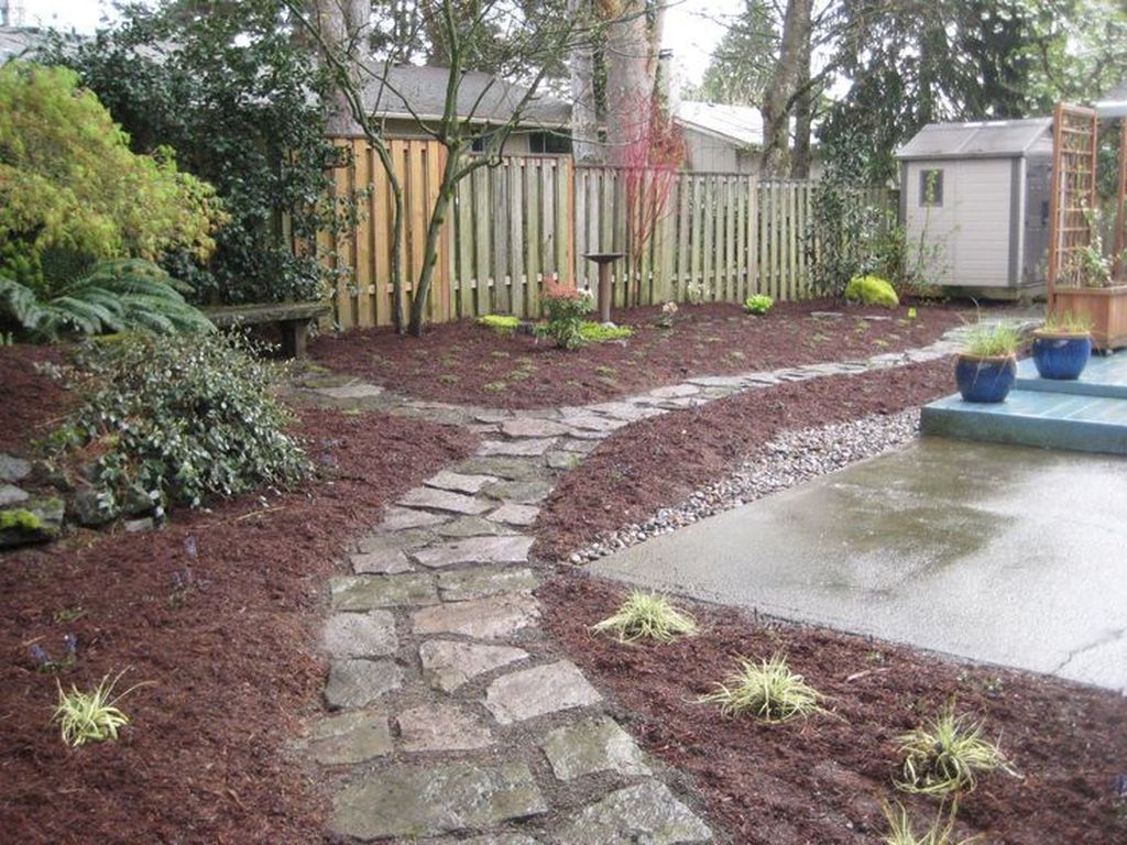 Wonderful Yard No Grass Design Ideas 33