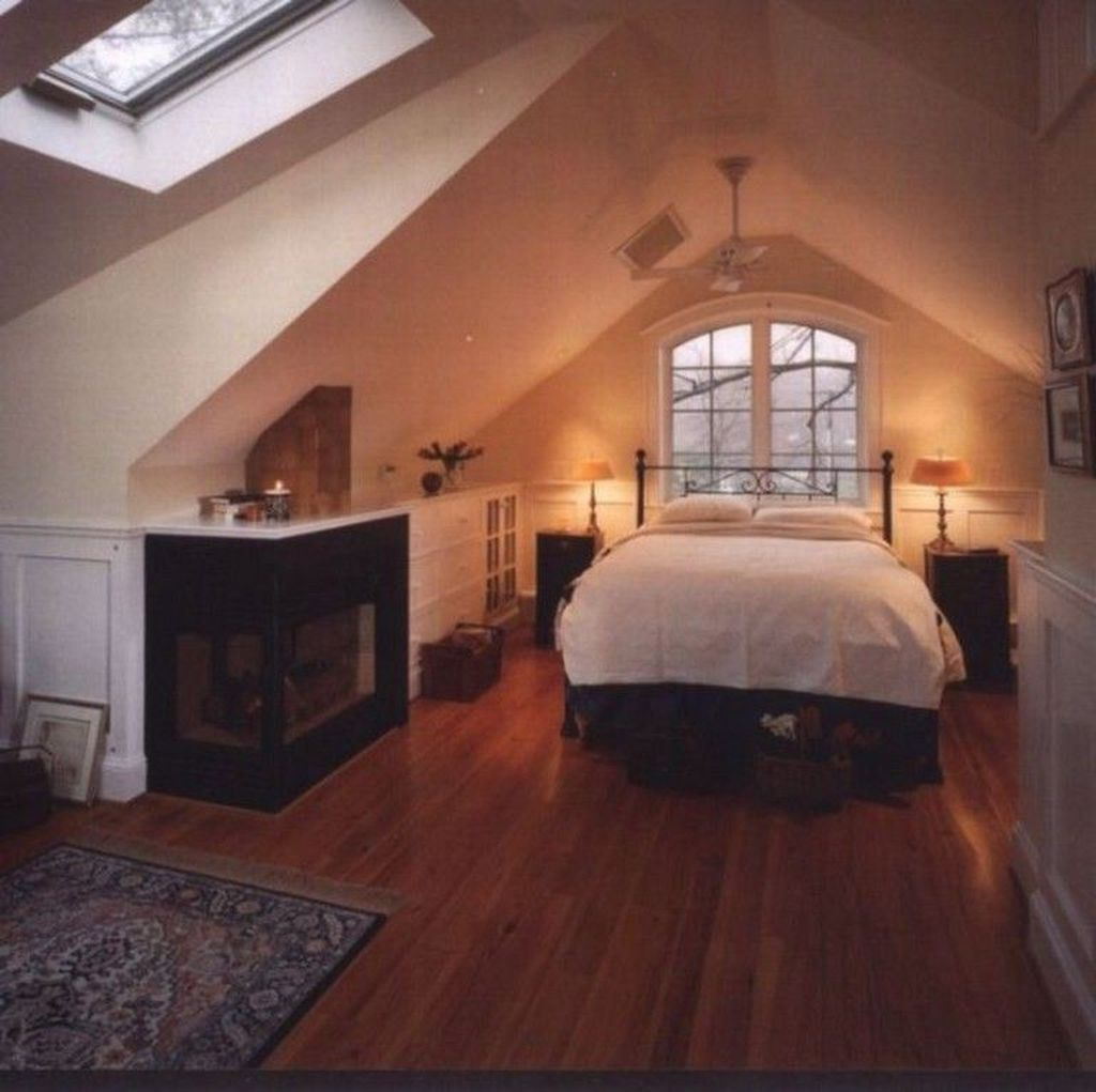 Amazing Attic Bedroom Design Ideas That You Will Like 04