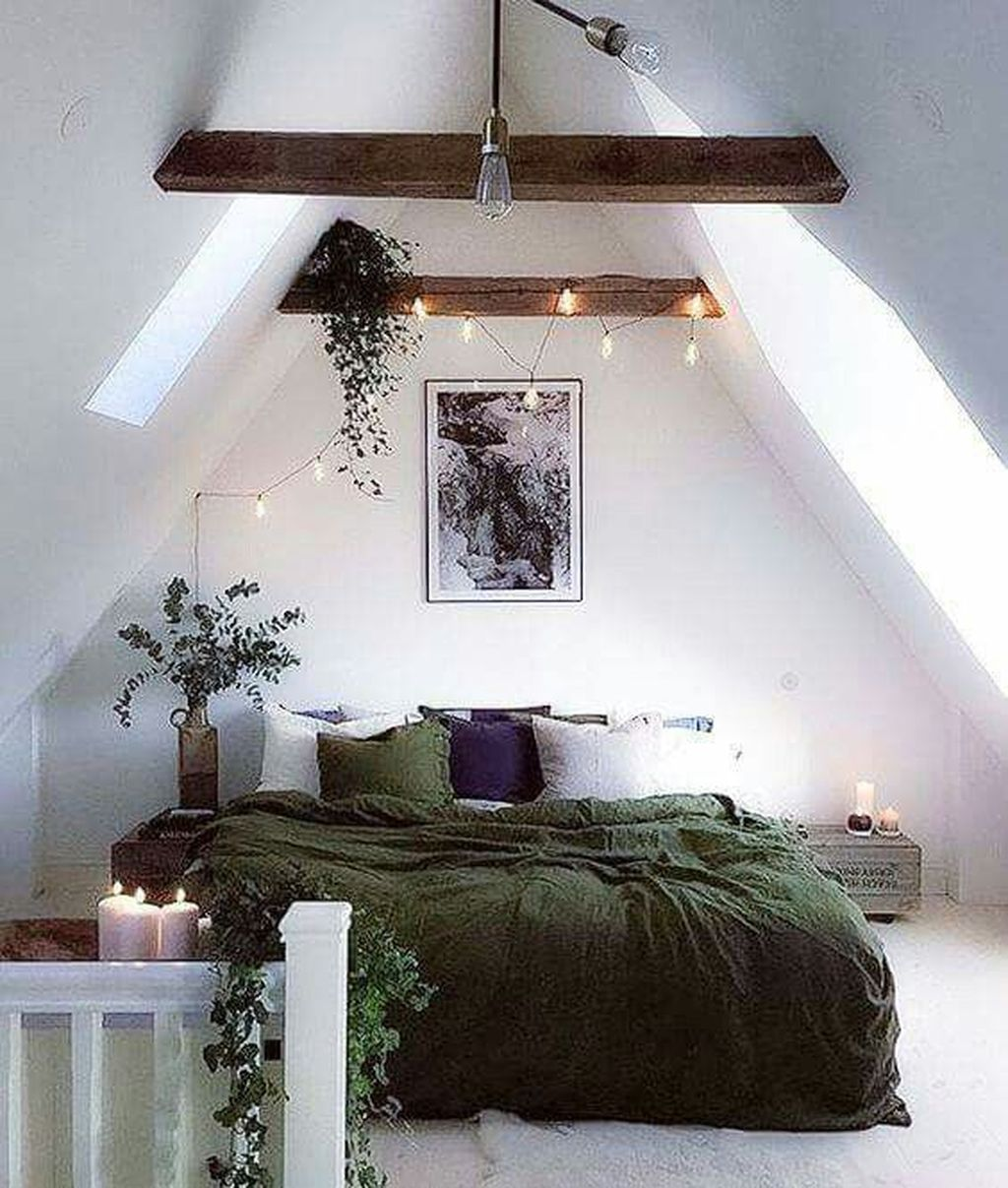 Amazing Attic Bedroom Design Ideas That You Will Like 10