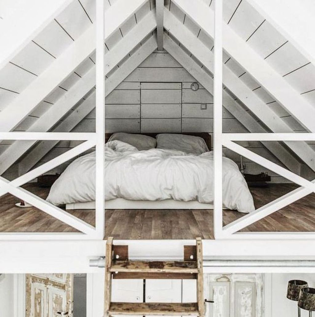 Amazing Attic Bedroom Design Ideas That You Will Like 22