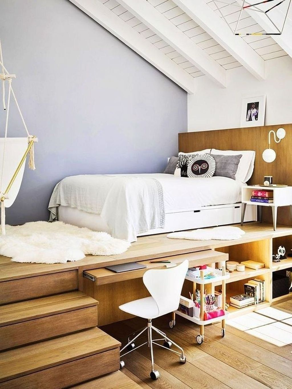 Amazing Attic Bedroom Design Ideas That You Will Like 23