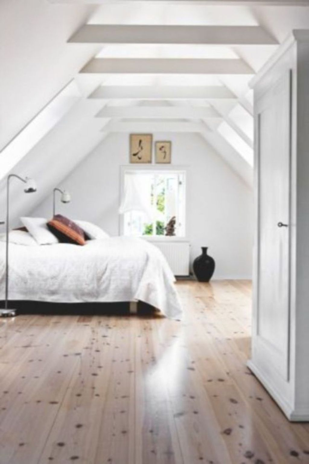 Amazing Attic Bedroom Design Ideas That You Will Like 29