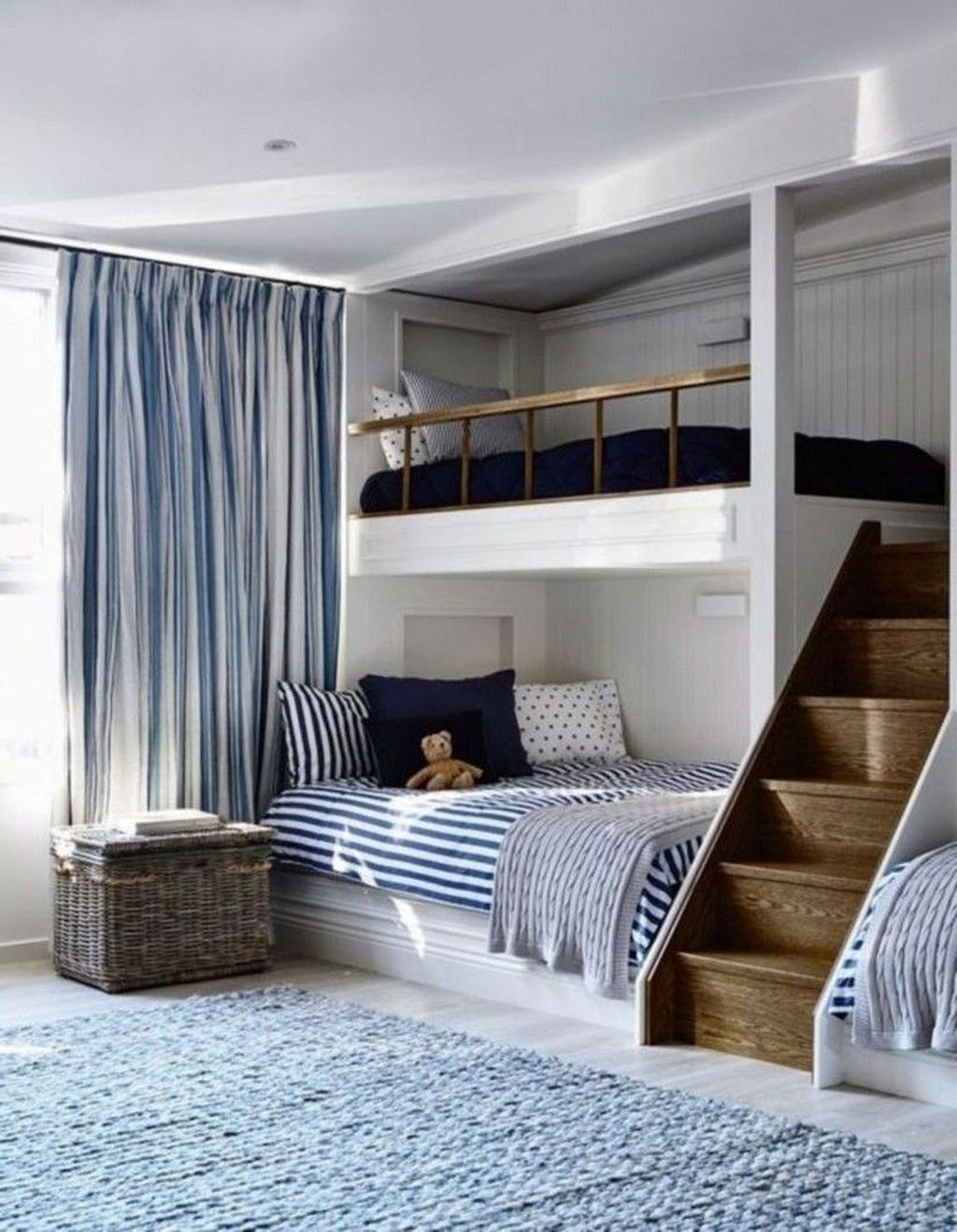 Amazing Attic Bedroom Design Ideas That You Will Like 35