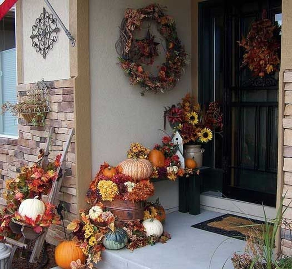 Amazing Front Porch Fall Decor Ideas That You Never Seen Before 09