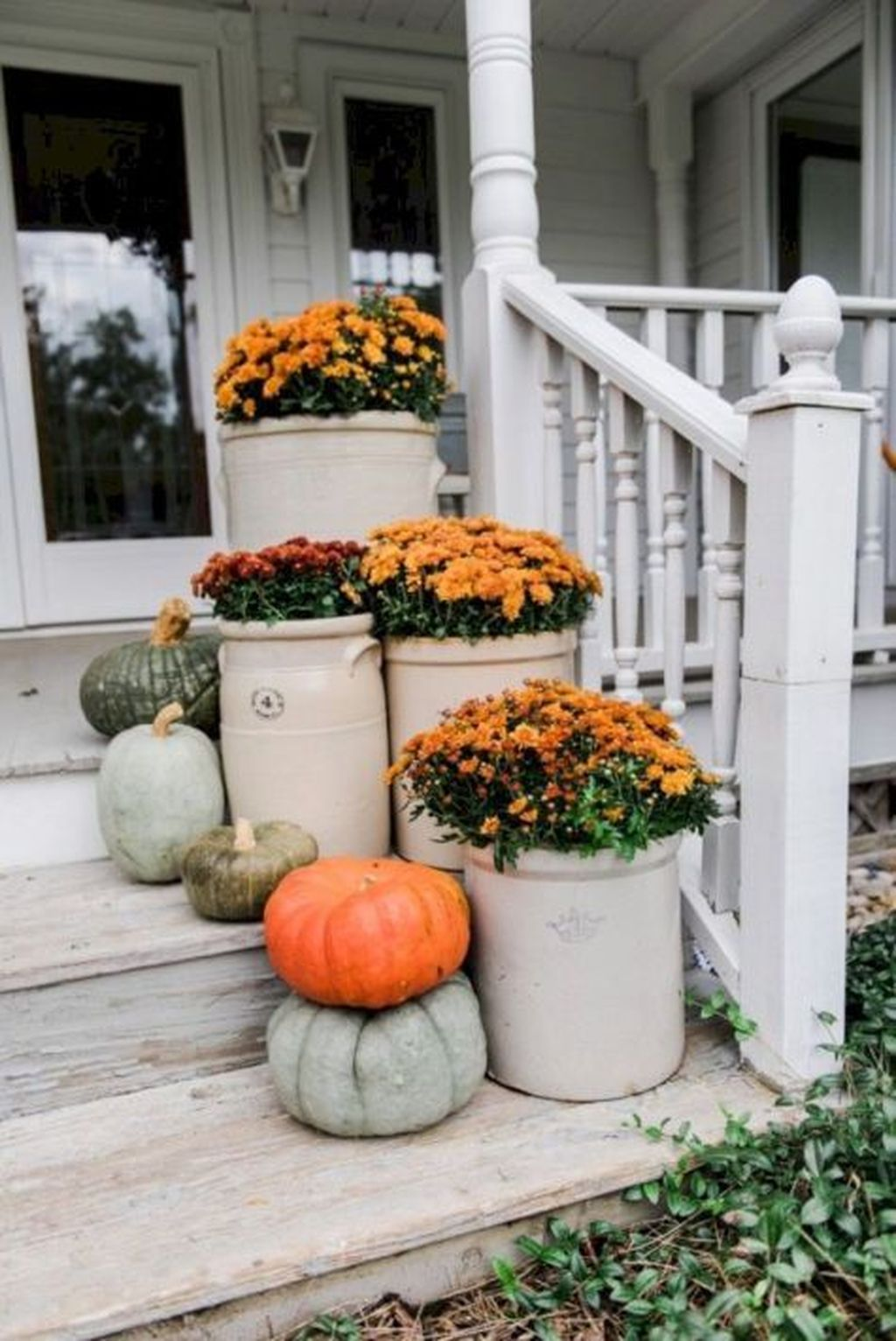 Amazing Front Porch Fall Decor Ideas That You Never Seen Before 23