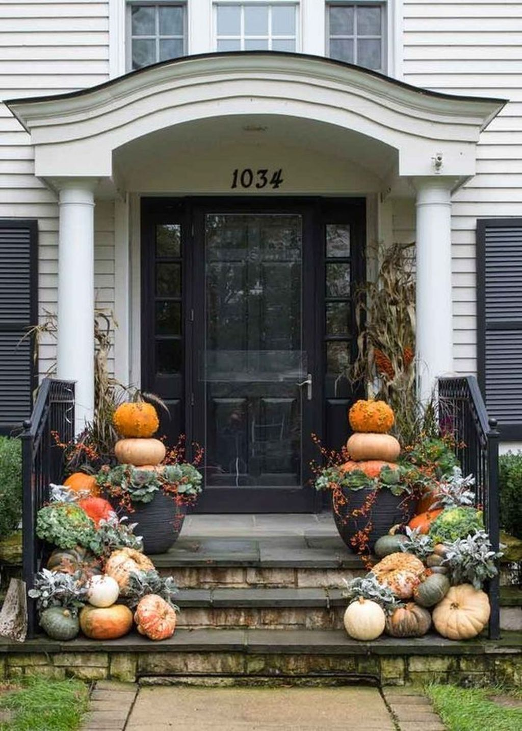 Amazing Front Porch Fall Decor Ideas That You Never Seen Before 25