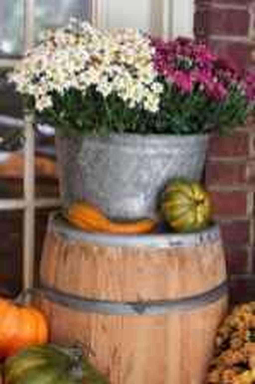 Amazing Front Porch Fall Decor Ideas That You Never Seen Before 30
