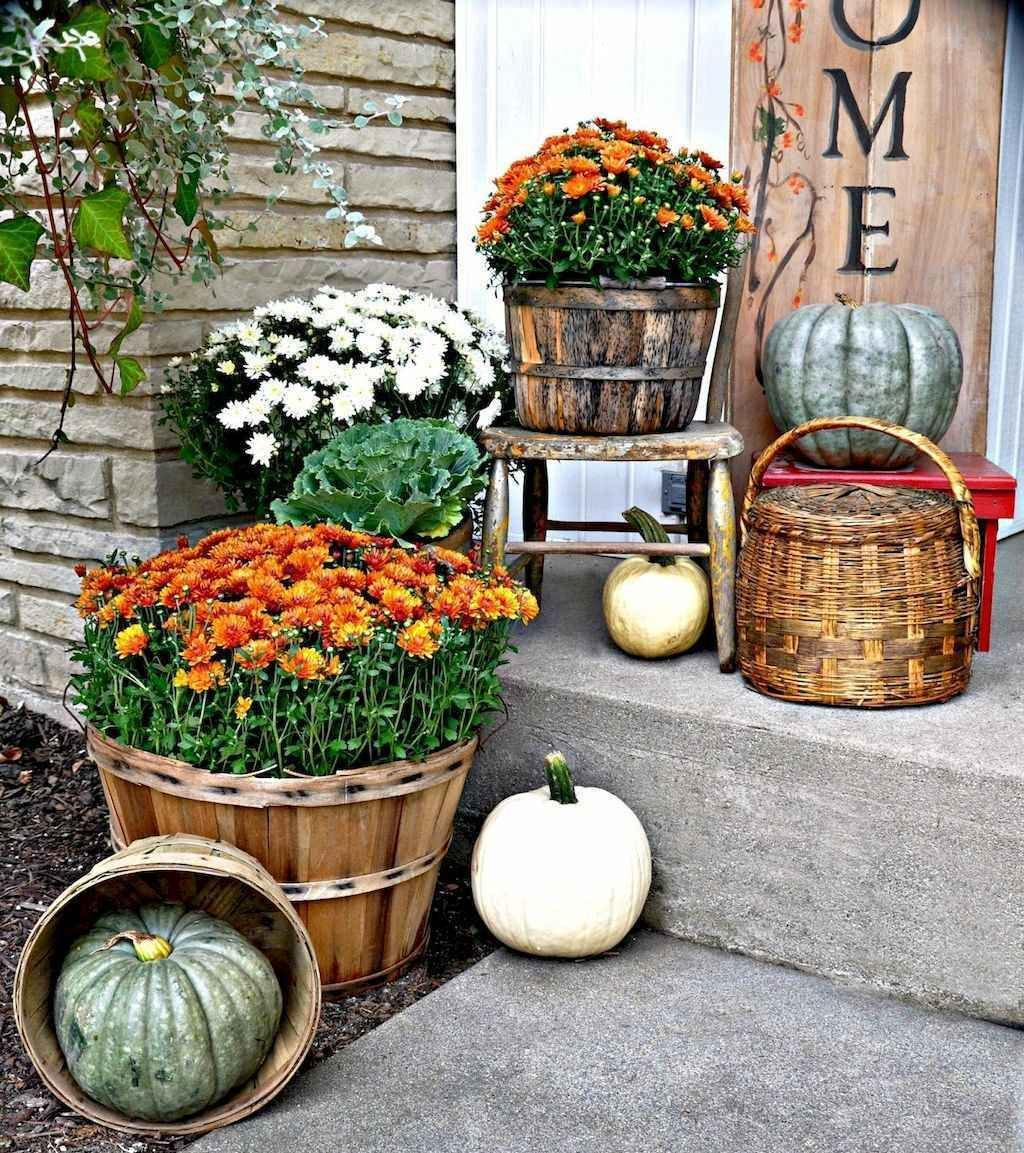 Amazing Front Porch Fall Decor Ideas That You Never Seen Before 32