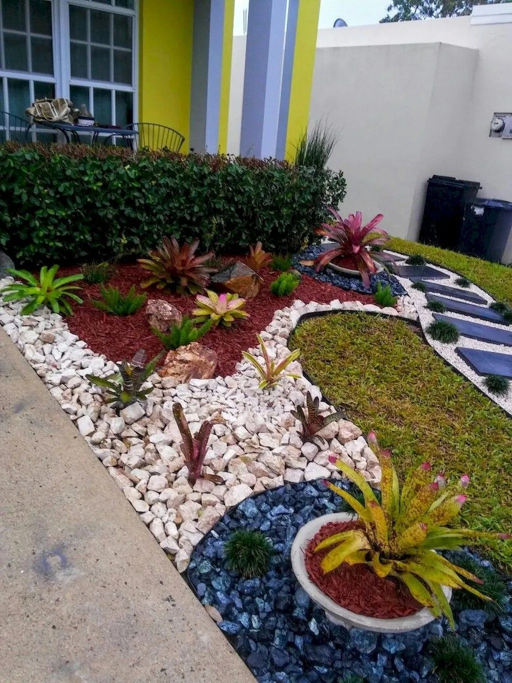 Awesome Succulent Front Yard Landscaping Ideas 02 - MAGZHOUSE