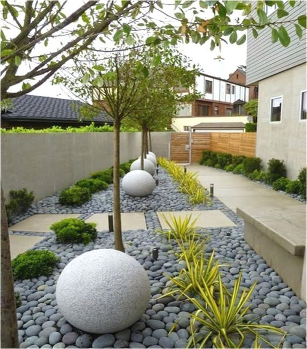 Beautiful Cactus Landscaping Ideas For Your Front Yards Decor 06