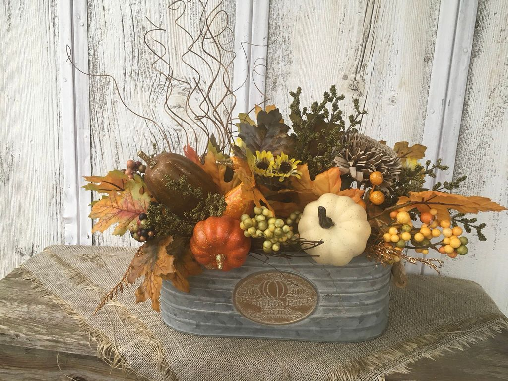Beautiful Fall Flower Arrangement Design Ideas For Living Room Decor 14