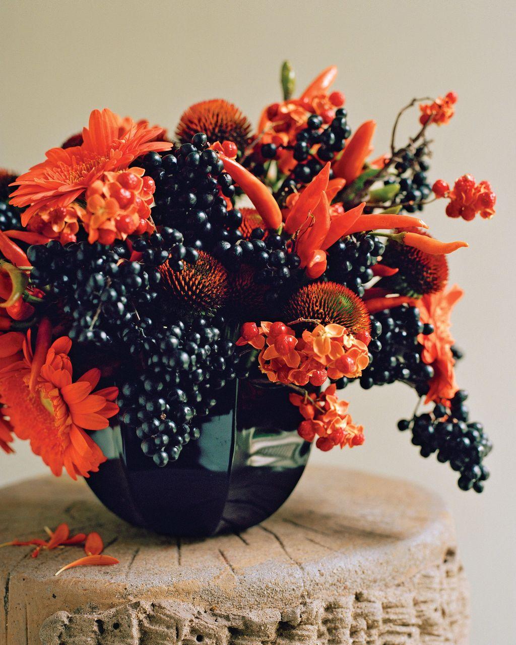 Beautiful Fall Flower Arrangement Design Ideas For Living Room Decor 21