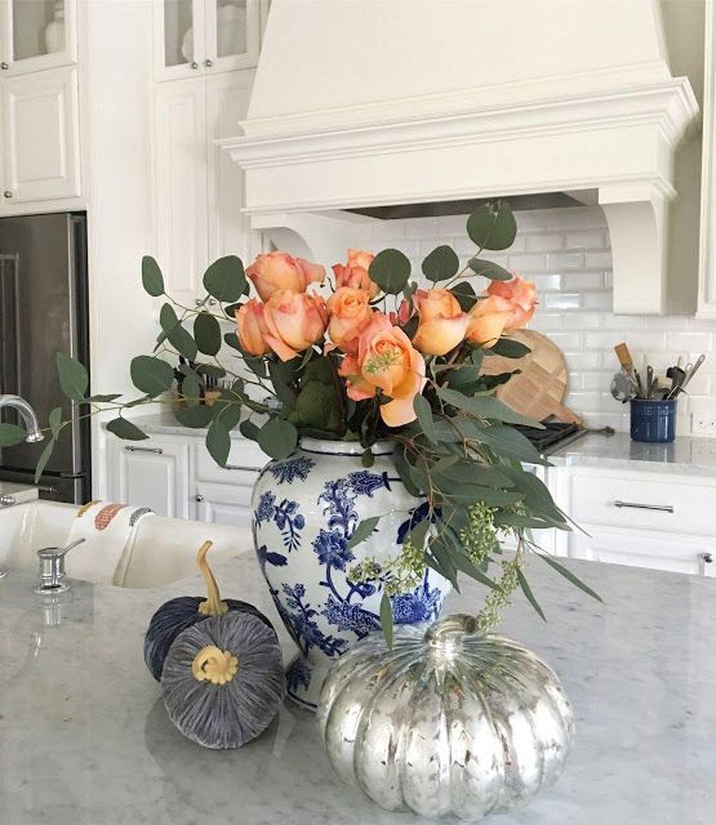 Beautiful Fall Theme Kitchen Island Decor Ideas 07