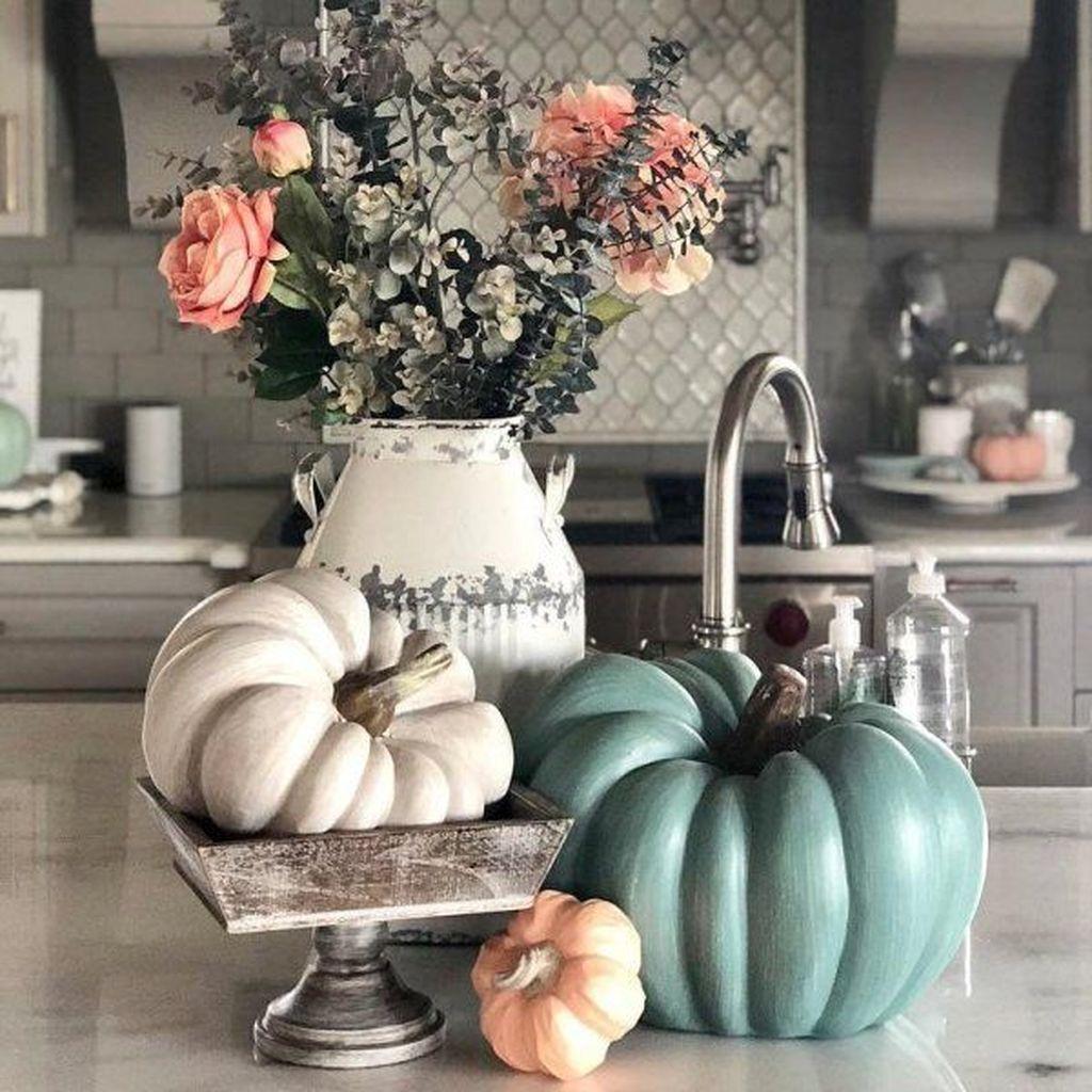 Beautiful Fall Theme Kitchen Island Decor Ideas 20