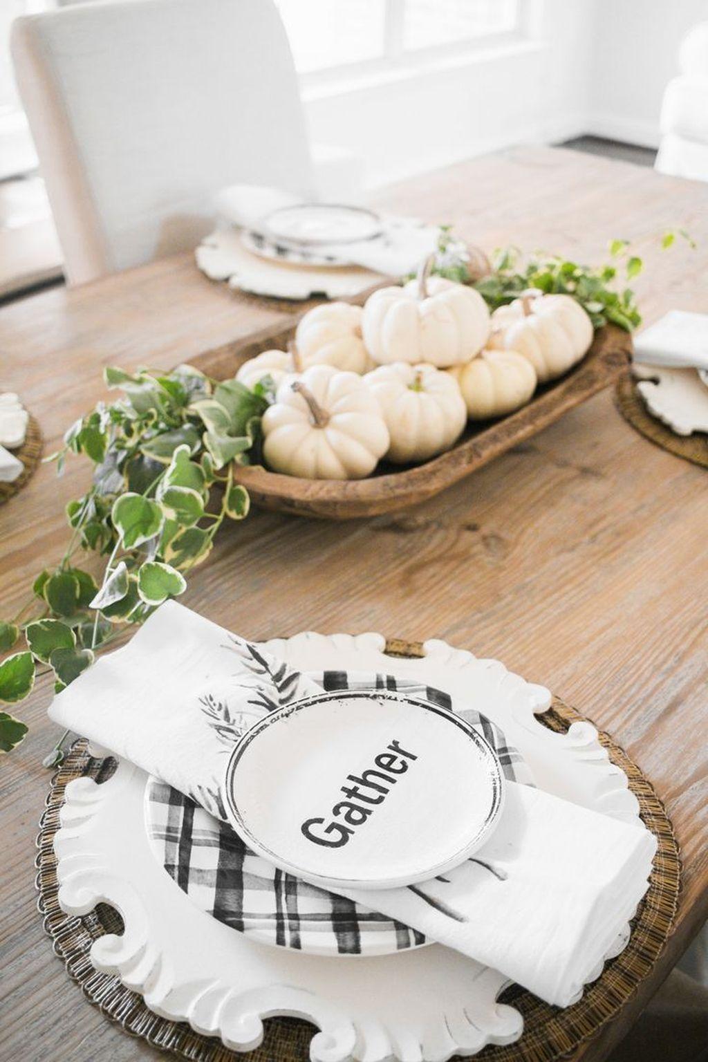 Beautiful Fall Theme Kitchen Island Decor Ideas 29