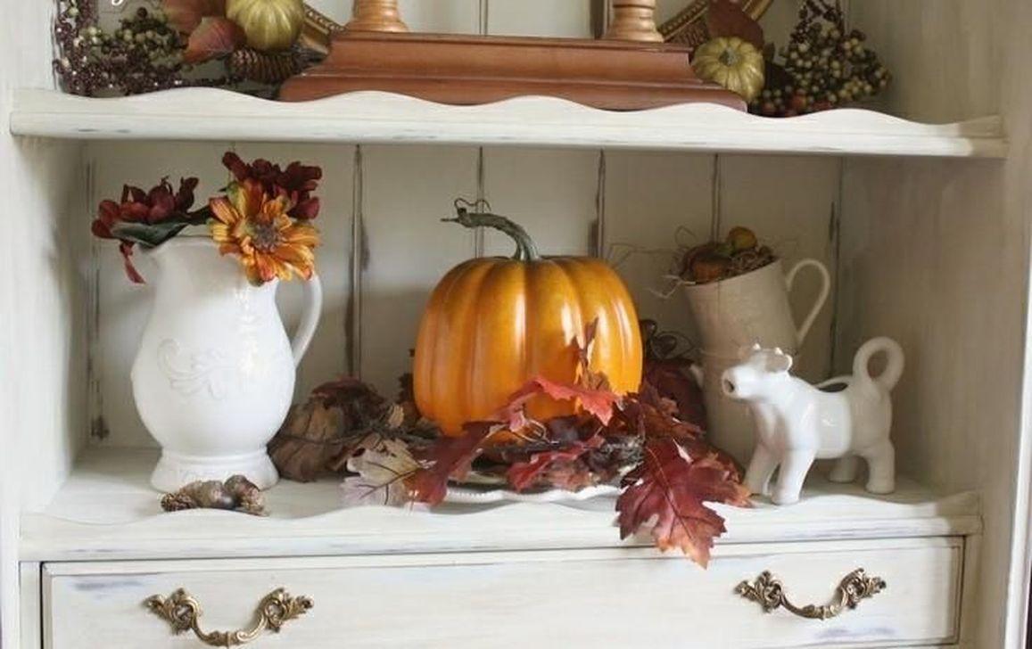 Beautiful Fall Theme Kitchen Island Decor Ideas 30