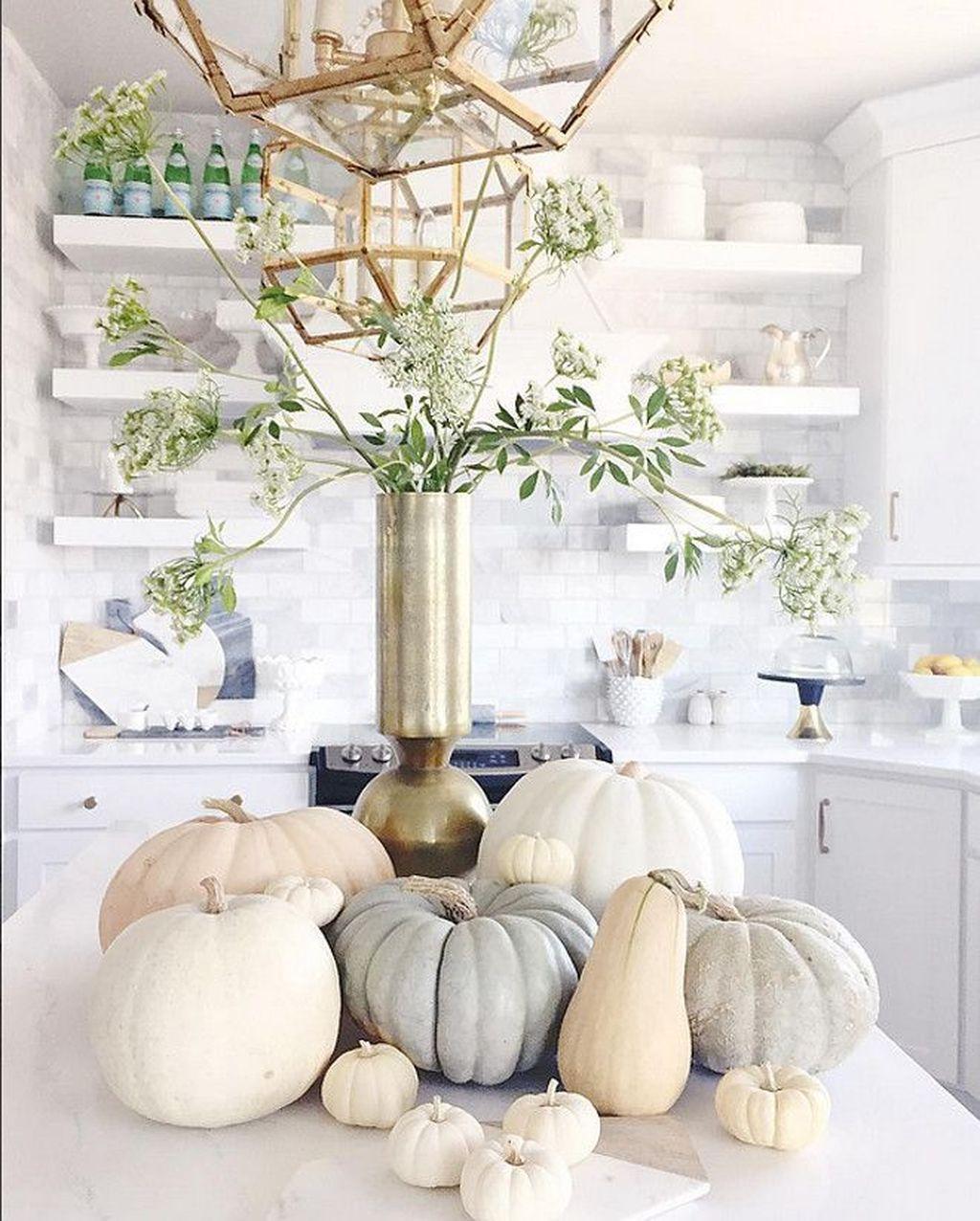 Beautiful Fall Theme Kitchen Island Decor Ideas 33