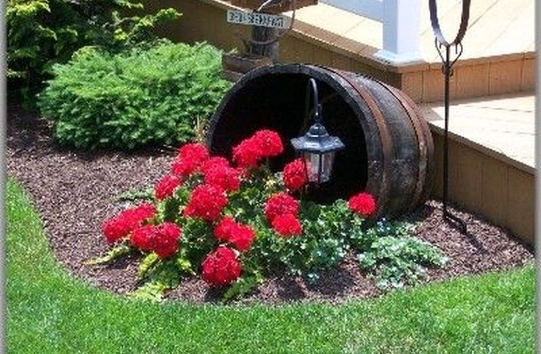 Beautiful Flower Beds Design Ideas In Front Of House 23