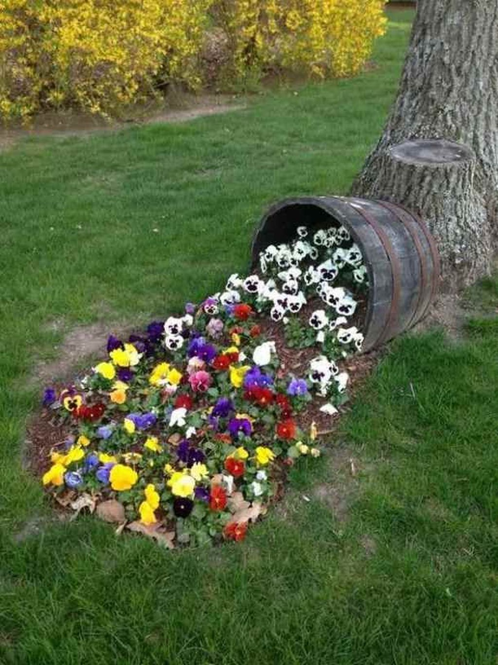 Beautiful Flower Beds Design Ideas In Front Of House 32