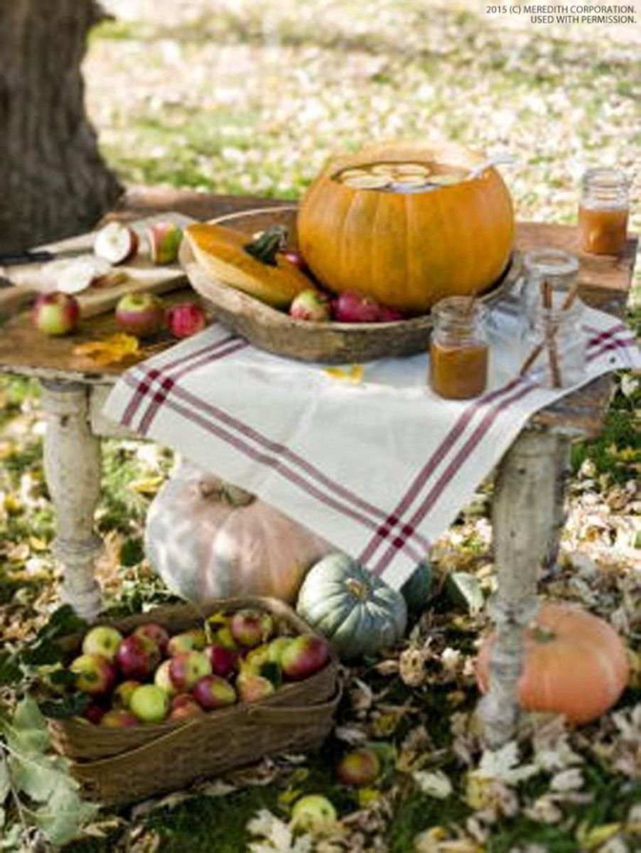 Fabulous Fall Backyard Party Decorations Ideas 22