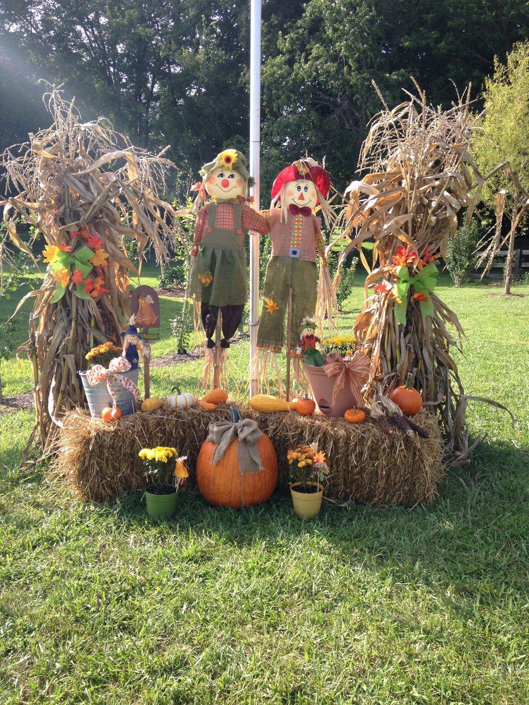 Fabulous Fall Backyard Party Decorations Ideas 26