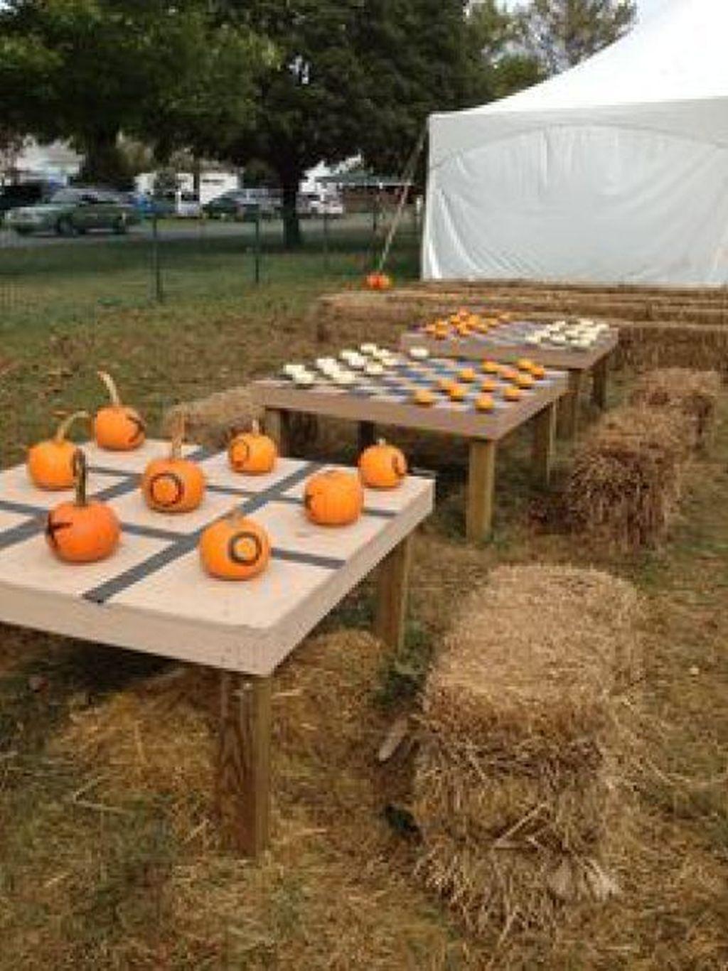 Fabulous Fall Backyard Party Decorations Ideas 31