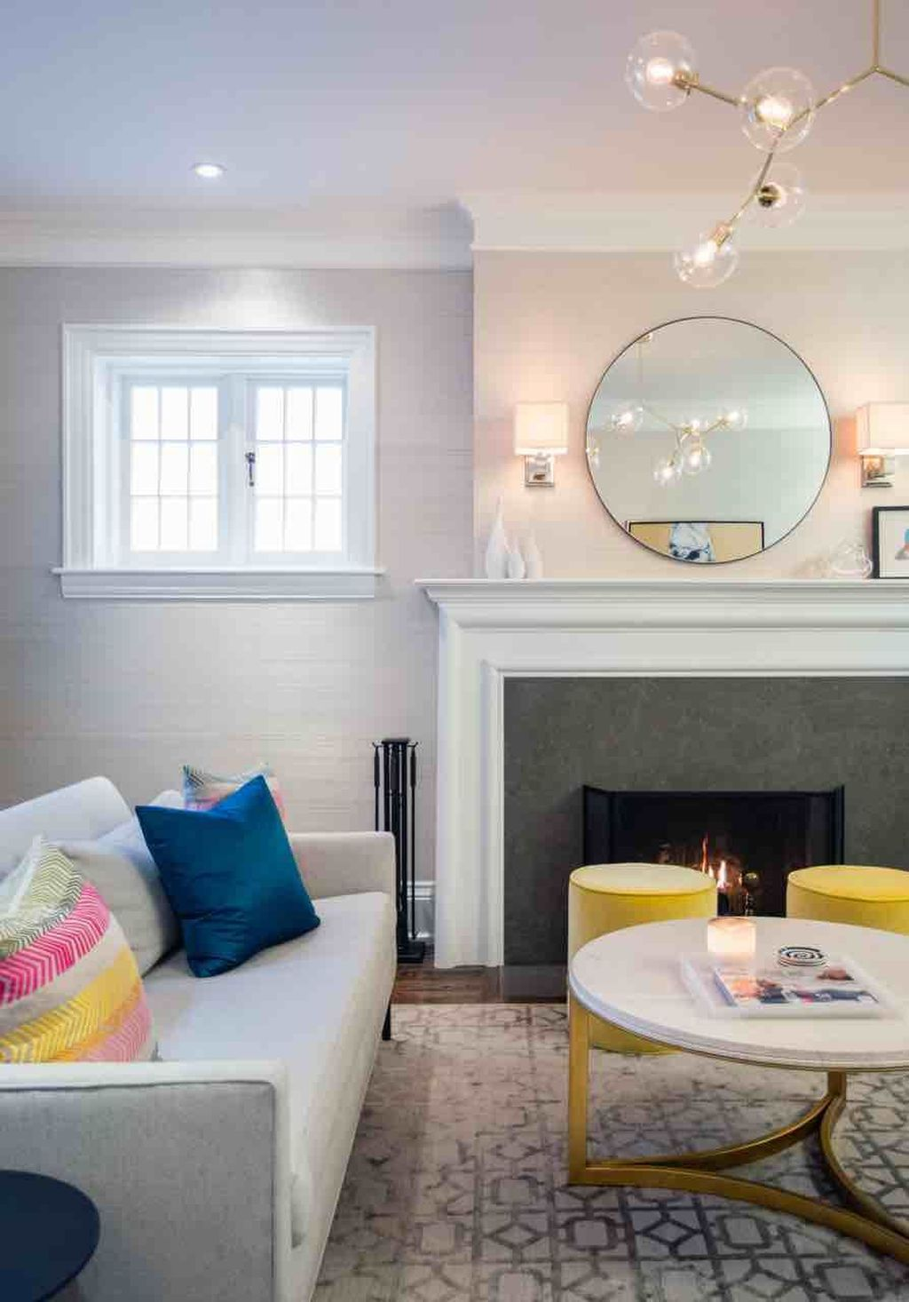 Fabulous Family Friendly Living Room Decoration Ideas 07