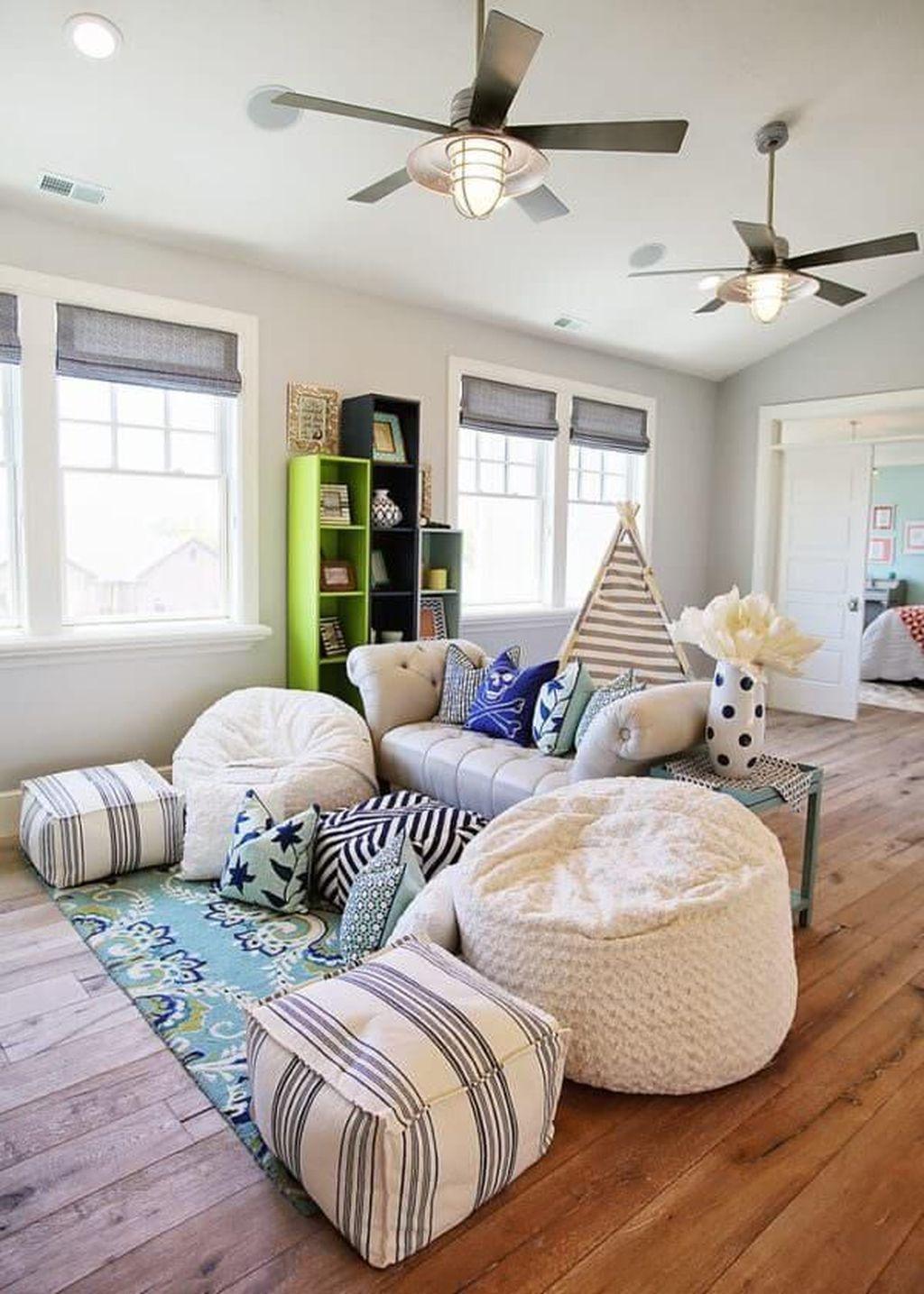 Fabulous Family Friendly Living Room Decoration Ideas 13