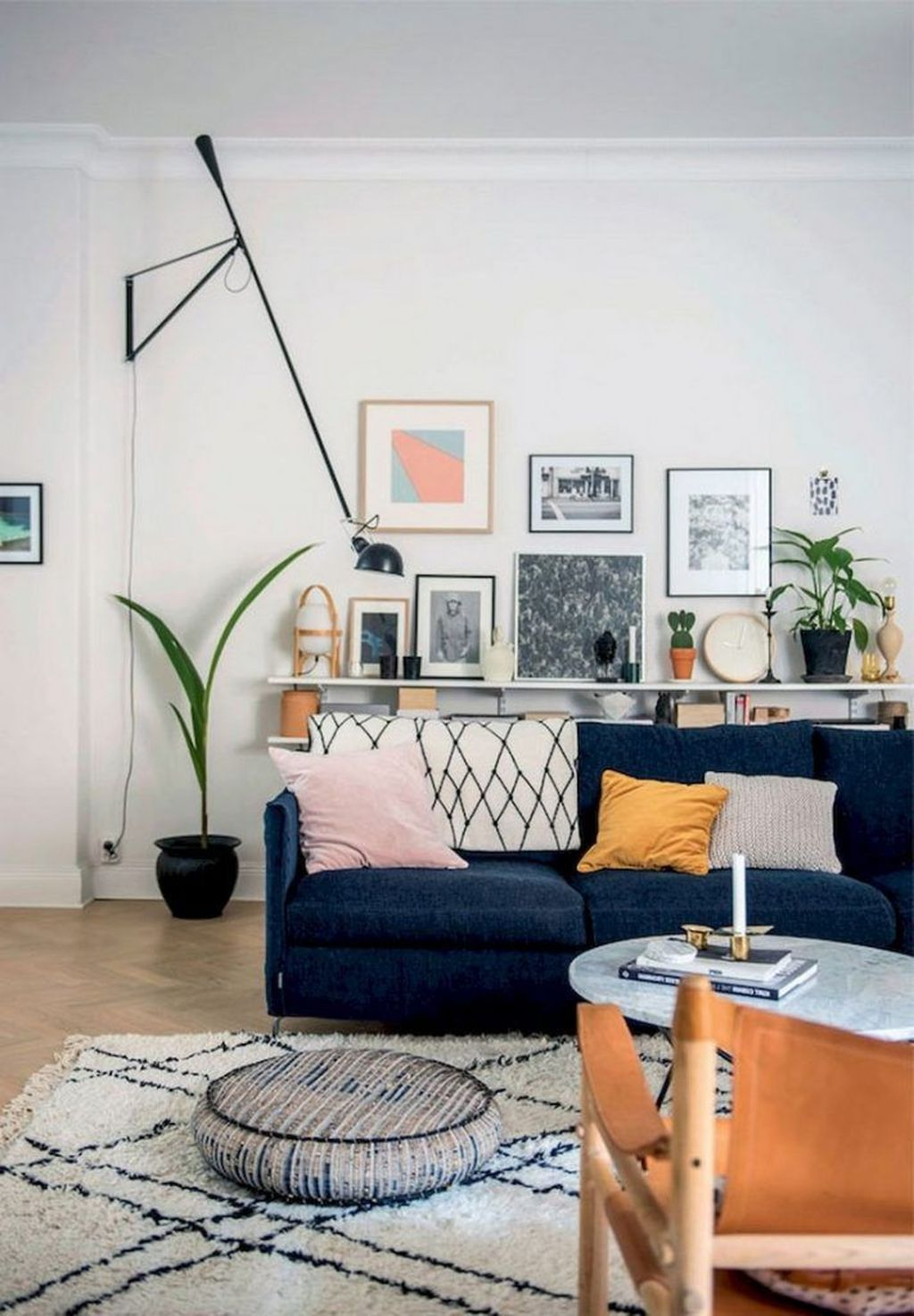 Fabulous Family Friendly Living Room Decoration Ideas 23