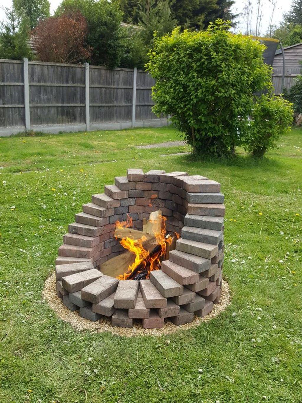 Fabulous Stone Fire Pit Design And Decor Ideas 20