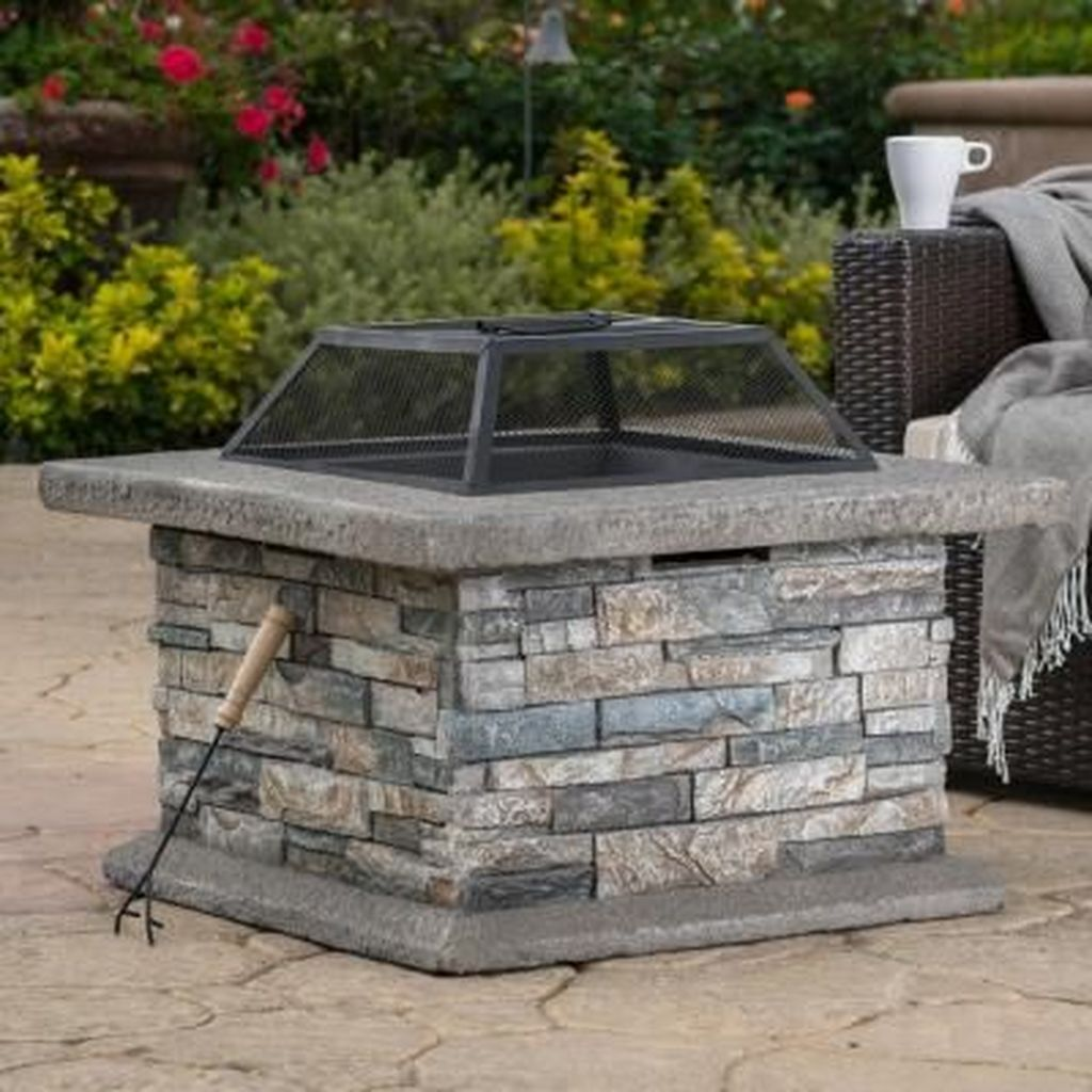 Fabulous Stone Fire Pit Design And Decor Ideas 21