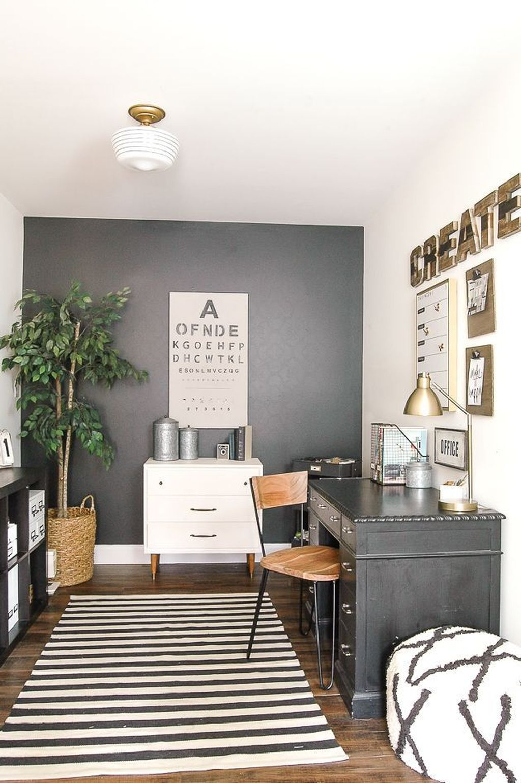 Gorgeous Vintage Farmhouse Office Decorating Ideas 12