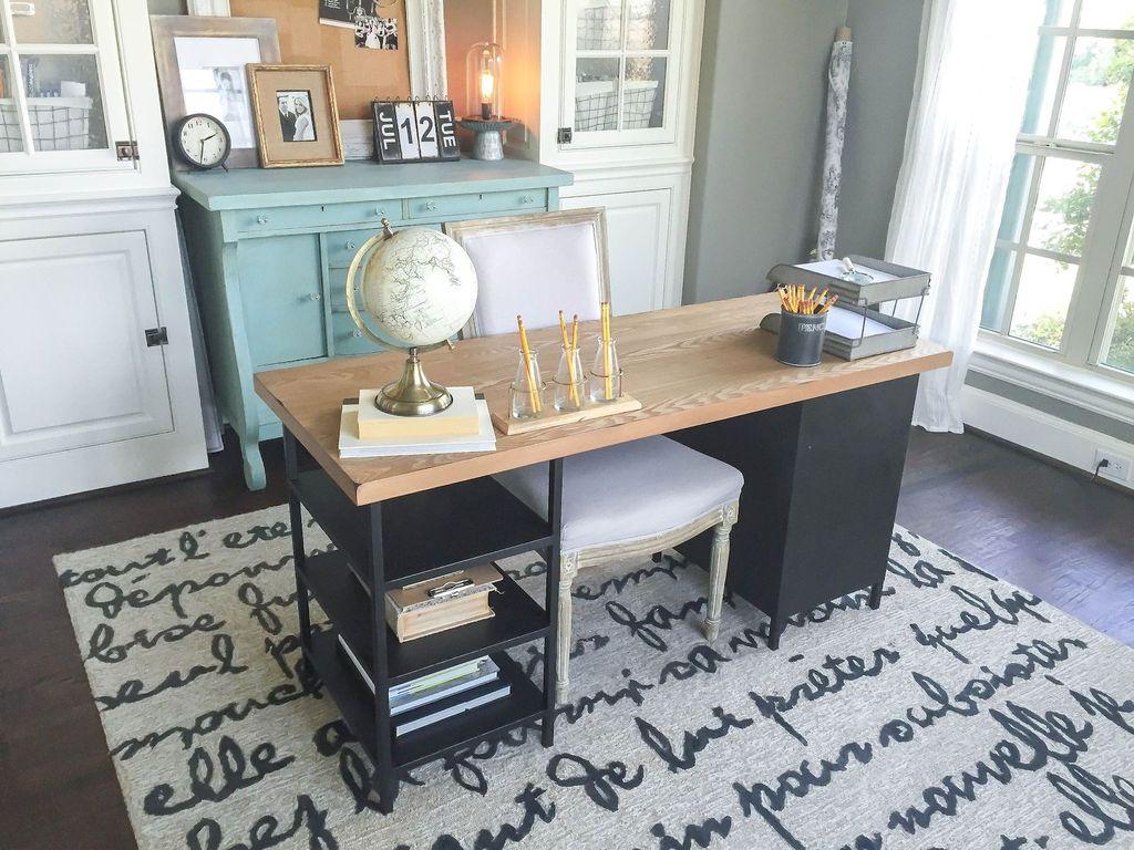 Gorgeous Vintage Farmhouse Office Decorating Ideas 19