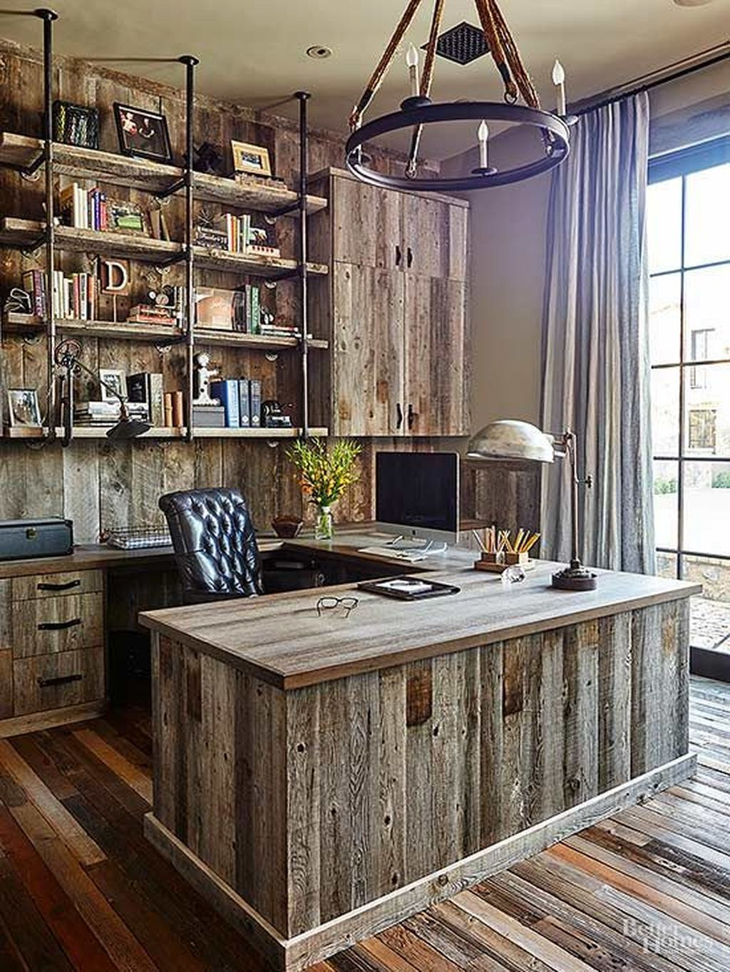 Gorgeous Vintage Farmhouse Office Decorating Ideas 25