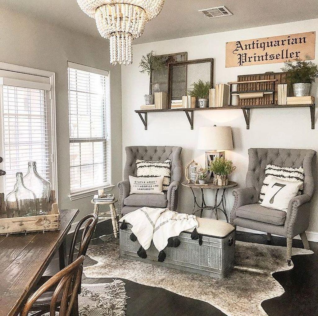 Gorgeous Vintage Farmhouse Office Decorating Ideas 26