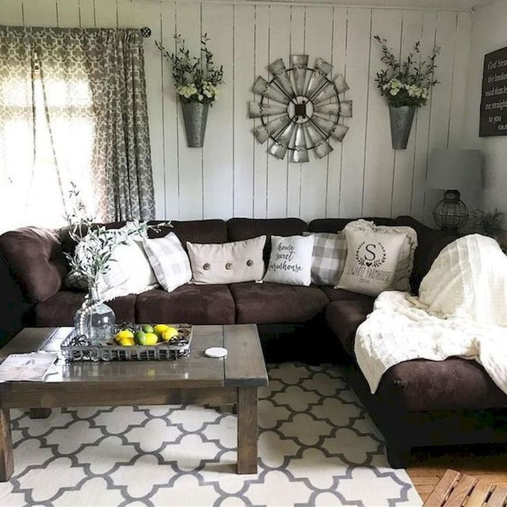 Incredible Rustic Farmhouse Living Room Design Ideas 24