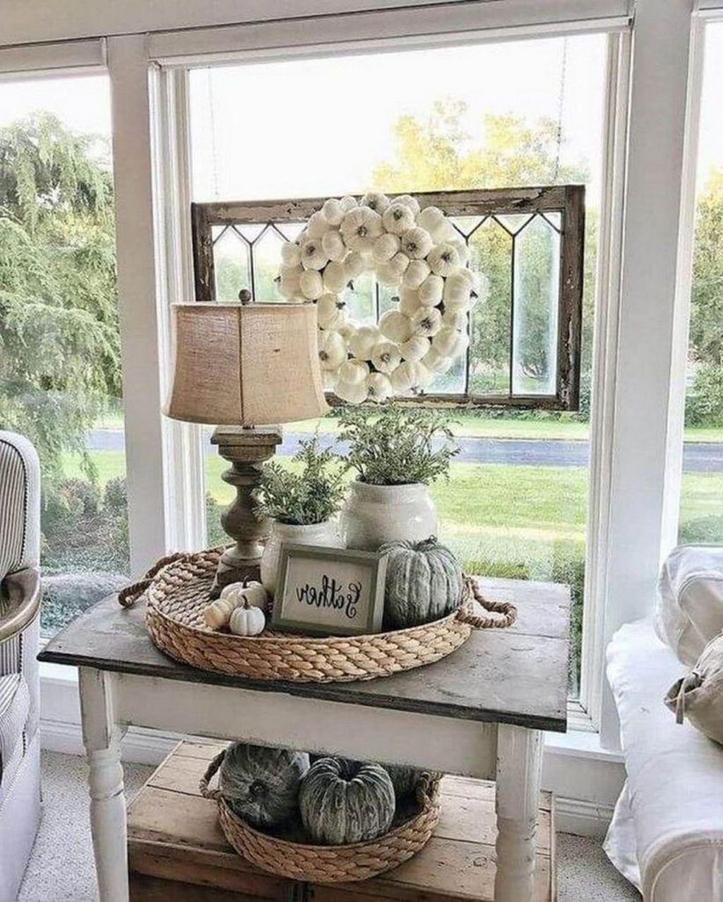 Inspiring Fall Living Room Decor Ideas On A Budget 21