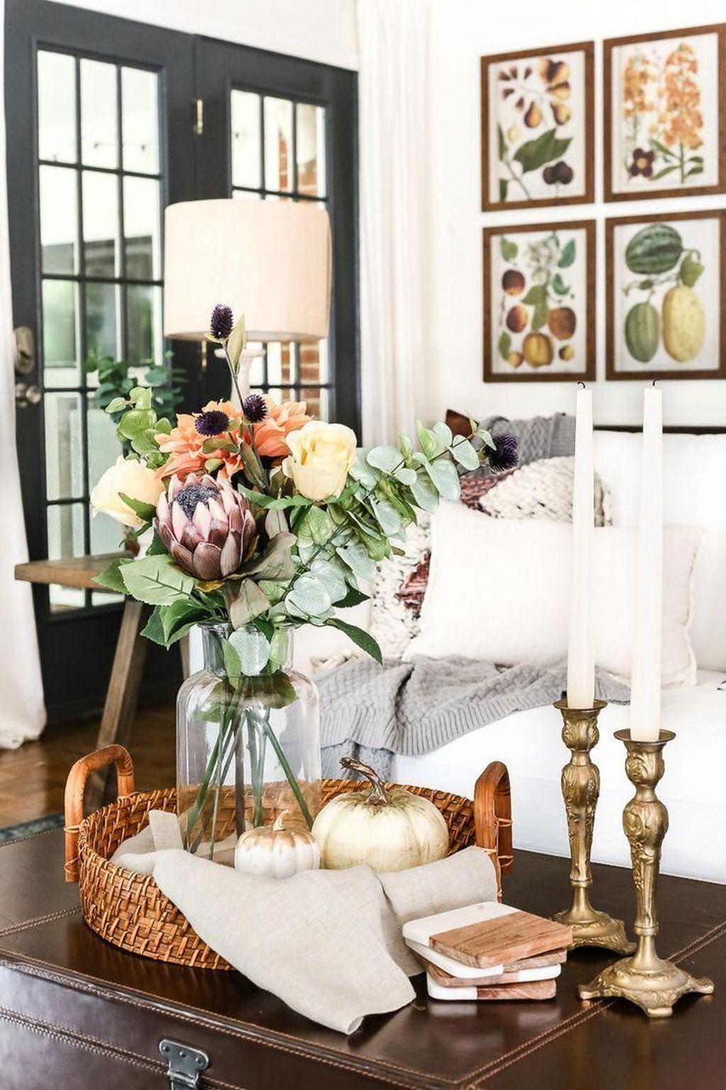 Inspiring Fall Living Room Decor Ideas On A Budget 32