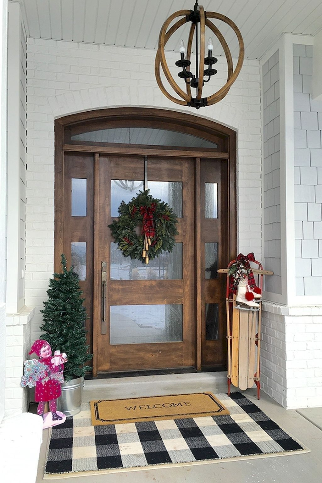 Inspiring Farmhouse Front Porch Decor Ideas 25