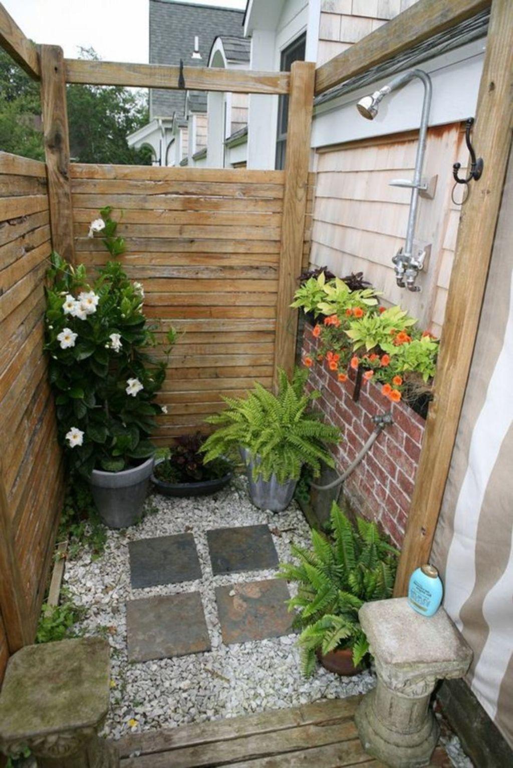Inspiring Jungle Bathroom Decor Ideas 02