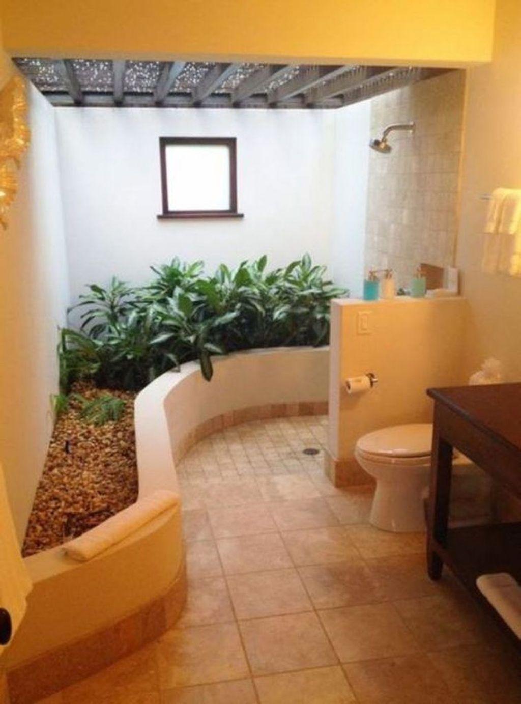 Inspiring Jungle Bathroom Decor Ideas 13