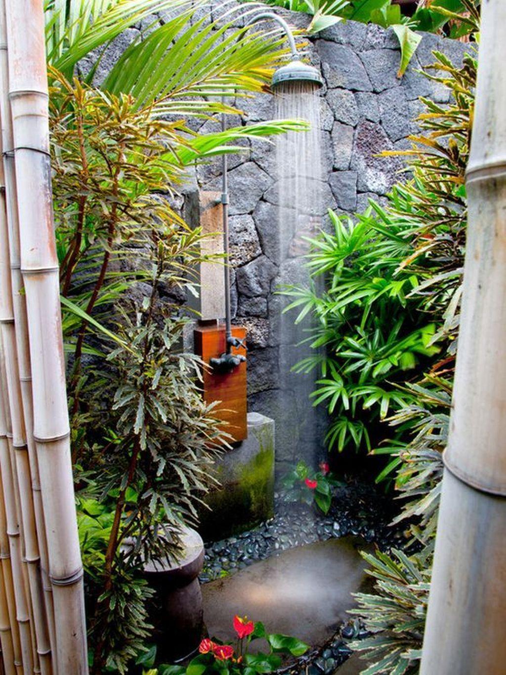 Inspiring Jungle Bathroom Decor Ideas 23
