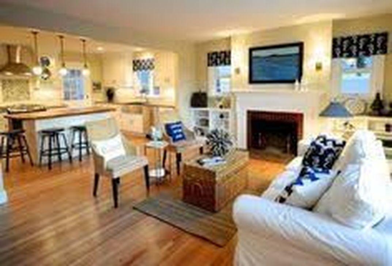 Lovely Capde Cod Living Room Design Ideas 17